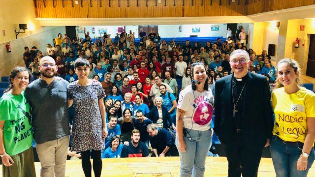 Foto de familia con el Obispo 3